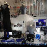 Commençons la série de Noël par la jolie vitrine glacée de @biarritzdanse ! #qualidanse #noel #danse #vitrine #xmas #danceshop #xmasdecor #boutiquededanse #biarritz - December 9, 2018