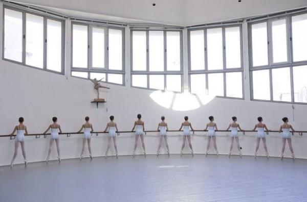 2385116_ecole-de-danse-saison-2010-2011-600x396